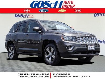 2016 Jeep Compass Latitude (Granite Crystal Clearcoat Metallic)