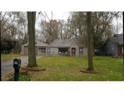 3 Bed 2 Bath Preforeclosure Property in Livonia, MI 48154 - Greenland St