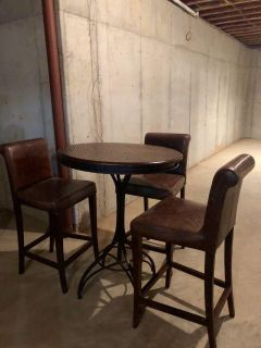 Copper Top Pub Table with 3 Leather Barstools