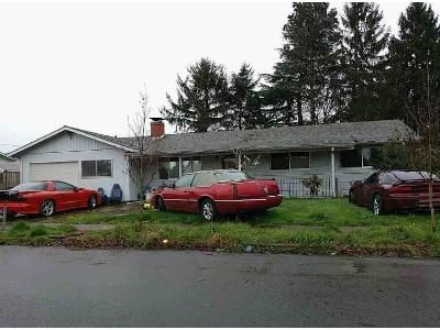 3 Bed 1 Bath Foreclosure Property in Portland, OR 97233 - SE Lincoln St