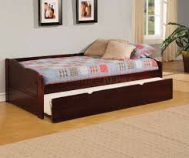 Cherry Wood Daybed with Trundle