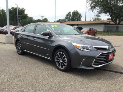 2018 Toyota Avalon Hybrid XLE Premium (Green)