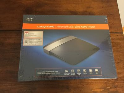 Linksys E2500 Advances Dual-Band N600 Router