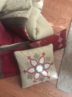 FREE Queen Bed Sized Comforter Set-Comforter, bedskirt, pillow shams, throw pillows