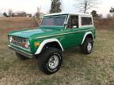1975 Ford Bronco Ranger 302 V8