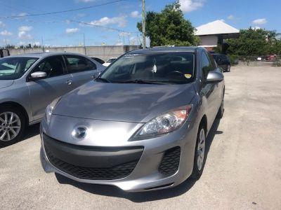 2013 Mazda Mazda3 i SV (Gray)