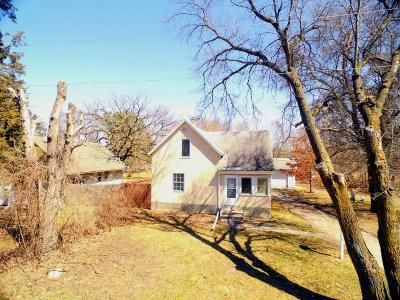 3 Bed 1 Bath Foreclosure Property in Isanti, MN 55040 - 1st Ave S