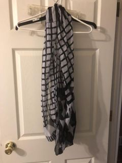 Infinity scarf, black and white