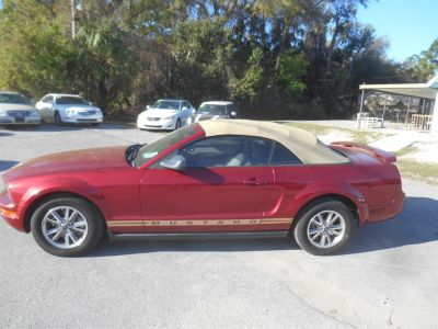 2005 Ford Mustang V6 Deluxe (Red)