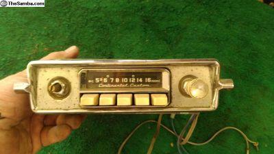 Continental Custom AM radio