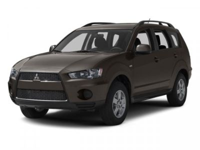 2013 Mitsubishi Outlander ES (Red)