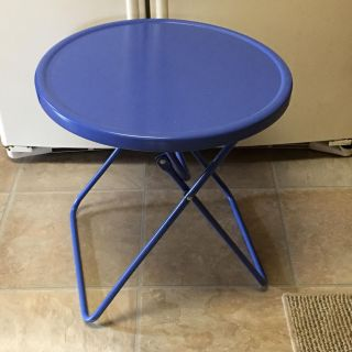 Small fold up table $5.00