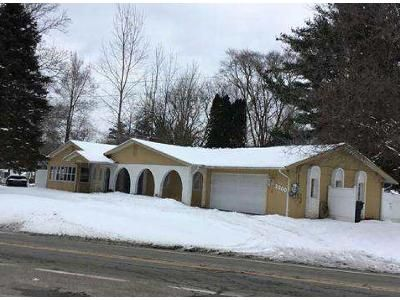 4 Bed 3 Bath Foreclosure Property in Walled Lake, MI 48390 - S Commerce Rd
