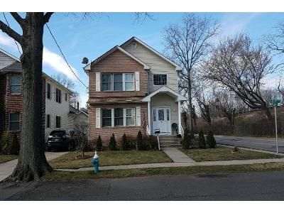 4 Bed 3 Bath Preforeclosure Property in Floral Park, NY 11001 - Childs Ave