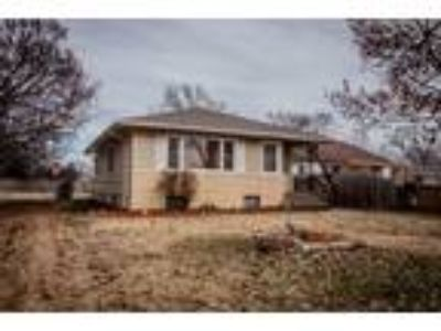 $128500 Two BR 2.00 BA, Junction City