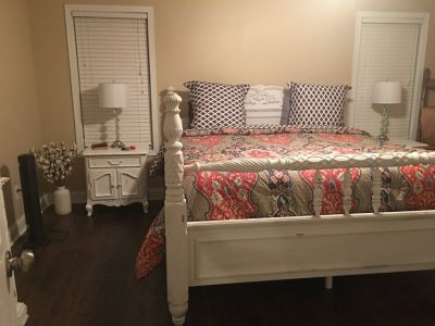 King Size White Distressed Antique Bed