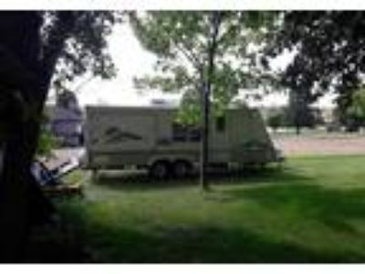 2005 Thor Motor Coach Scamper Travel Trailer in Maple Grove, MN