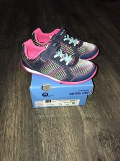 Stride Rite made2play Molly sneakers. Brand new! Tagged Size 11W, more like 11M.