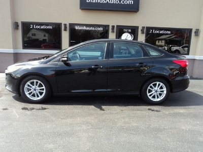 2016 Ford Focus SE (Shadow Black)