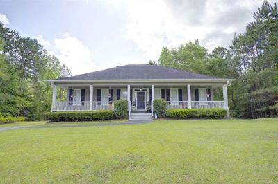 Huge Home With Pool and Outdoor Kitchen in Delta Woods, Bay Minette!