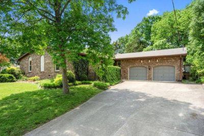 $2500 3 single-family home in Nashville Southeast