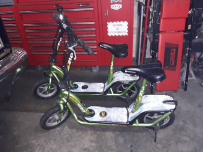 Pair of eZip 500 Electric Scooters