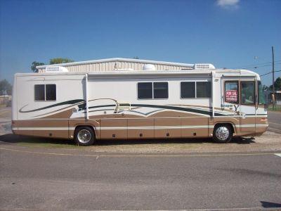 For Sale - 2000 Damon Escaper M-3980