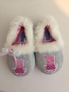 Peppa Pig Slippers size 7/8