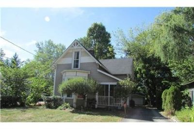 Wonderful 3 bedroom, with master on the main level Home for rent.
