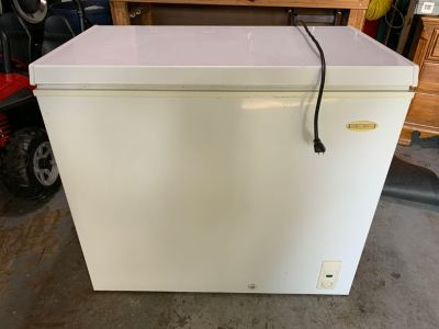 Holiday Chest Freezer - 7 cu ft