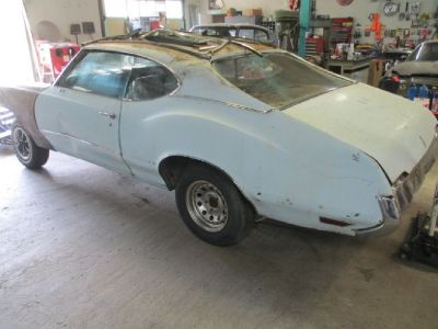 "1970 Olds Cutlas S. Project Car - Less Engine - ""Lots of Parts"""