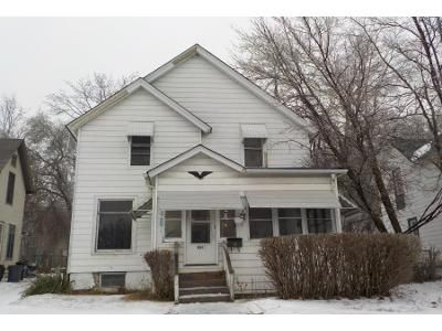 4 Bed 2 Bath Preforeclosure Property in Rockford, IL 61101 - School St
