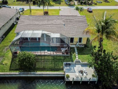 Large 3/3 SW Cape Coral waterfront house