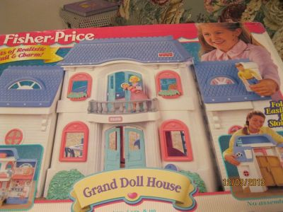 Fisher Price Grand Doll House/'REDUCED''