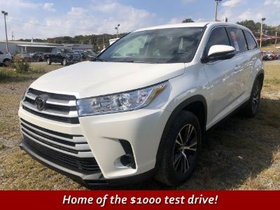 2019 Toyota Highlander LE (Blizzard Pearl)