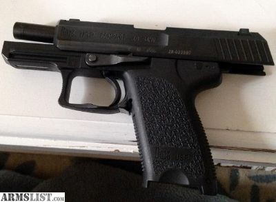 For Sale: HK USP40 COMPACT