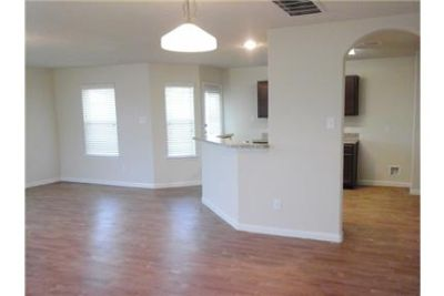 3 Spacious BR in Baytown