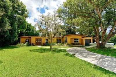 1 Block from the Bay and minutes away to Siesta Key (SARASOTA, FL)