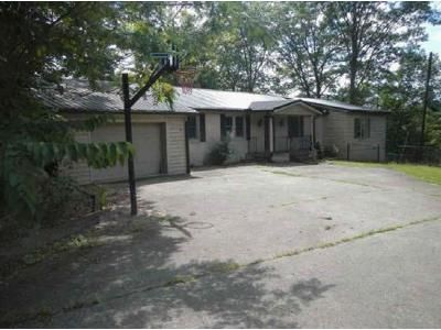 4 Bed 2 Bath Foreclosure Property in Hazard, KY 41701 - Turner Ln