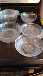 Pyrex and glass bowls