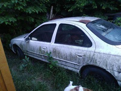 1995 Ford Sedan