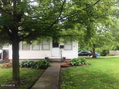 104 Wilson Street ANNA, PRICED TO SELL!Home is Two BR