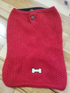 Red dog sweater L (but runs small)