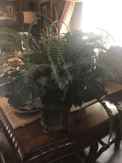 Fake plant decor about 2,1/2 feet tall