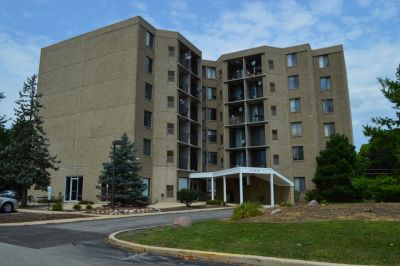 $825 / 1br - 550ft2 - Condo 1 Bedroom, 1 Bath with UTILITIES INCLUDED(not Elect.) in Aurora