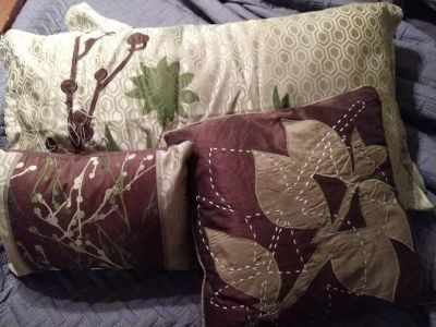 Green and brown king bedspread 2 king pillow shams and 2 throw pillows