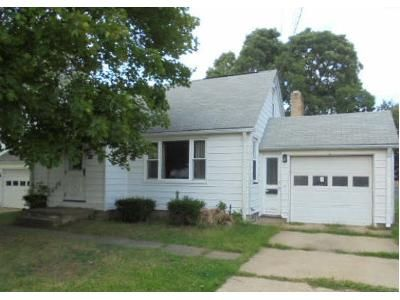 4 Bed 1.5 Bath Foreclosure Property in Louisville, OH 44641 - Devinney Ave