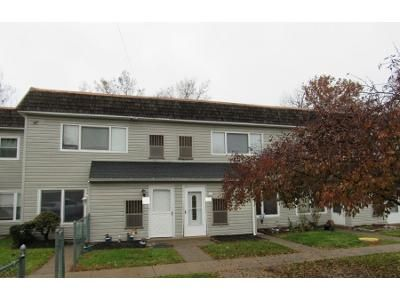 2 Bed 1 Bath Preforeclosure Property in Bensalem, PA 19020 - Lafayette Garden