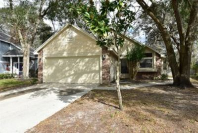 OVIEDO 3br 2ba COMPLETELY UPDATED!!! New kitchen/bath/paint/flooring and more...
