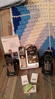 At n t 5.8 Digital answering machine with 2 additional handset, with Inst & 3 new batteries